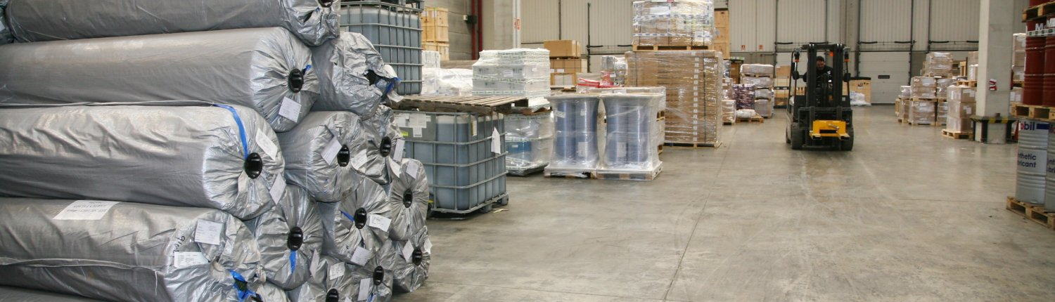 Photo of the inside of a groupage warehouse